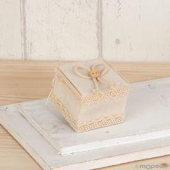 Cajita marfil con cordel y botón 5x4x5cm,, min.12
