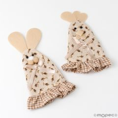 Rabbit/chicken cover with flowers 17cm.