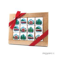 Estuche de 12 chocolates con corona navideña de frutos rojos