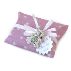 Bear brooch with pink fabric box and 5 sug.coated choc.