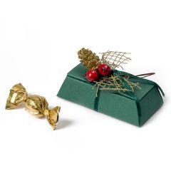 Boîte pyramidale avec des fruits rouges, pigne et 2 crokis