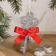 Pendentif clés argenté avec 2 chocolats et decoration