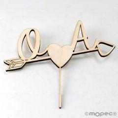 Cake topper de madera iniciales y flecha corazón 12cm.aprox.