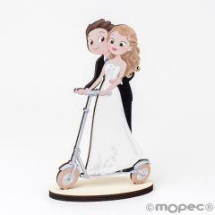Figura madera novios patinete eléctrico Pop&Fun 19cm,