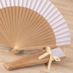 Abanico madera natural y tela blanca 23cm.adornado