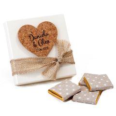 Autocollant coeur en liège dans étui, 4 chocolats