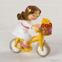 Imán niña Comunión en bici 4,5x5cm.min.12