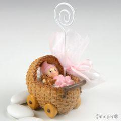 Portafoto cochecito bebé rosa con 3 peladillas choco.
